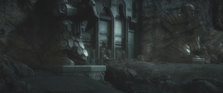 Erebor gate with golden Smaug 1