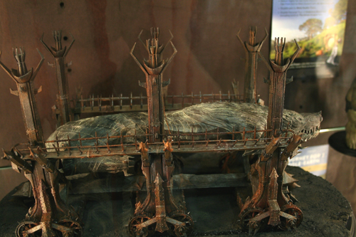Grond collectible figure, Weta Comic-Con booth 2016