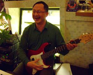 johnnie-guitar-300.jpg