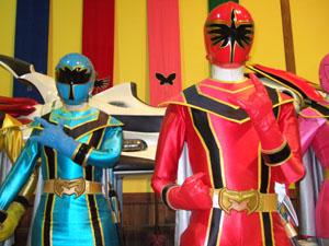 two-heroes-300.jpg